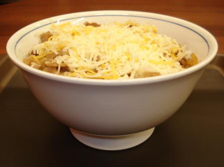 ushiwakamaru-cheese-gyudon03.jpg
