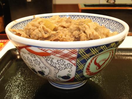 yoshinoya-gyudon-oomori2.jpg